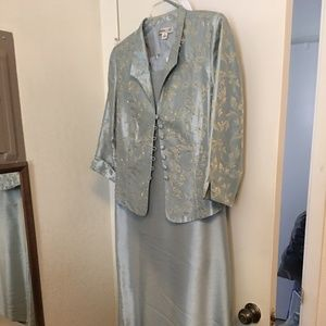 Lt Blue Mother or Mother in law Dress Size 14